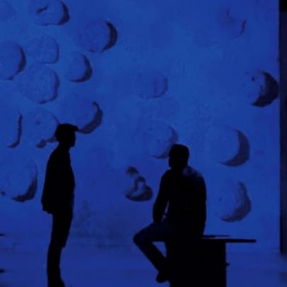 Yves Klein in the spotlight at the Atelier des Lumières